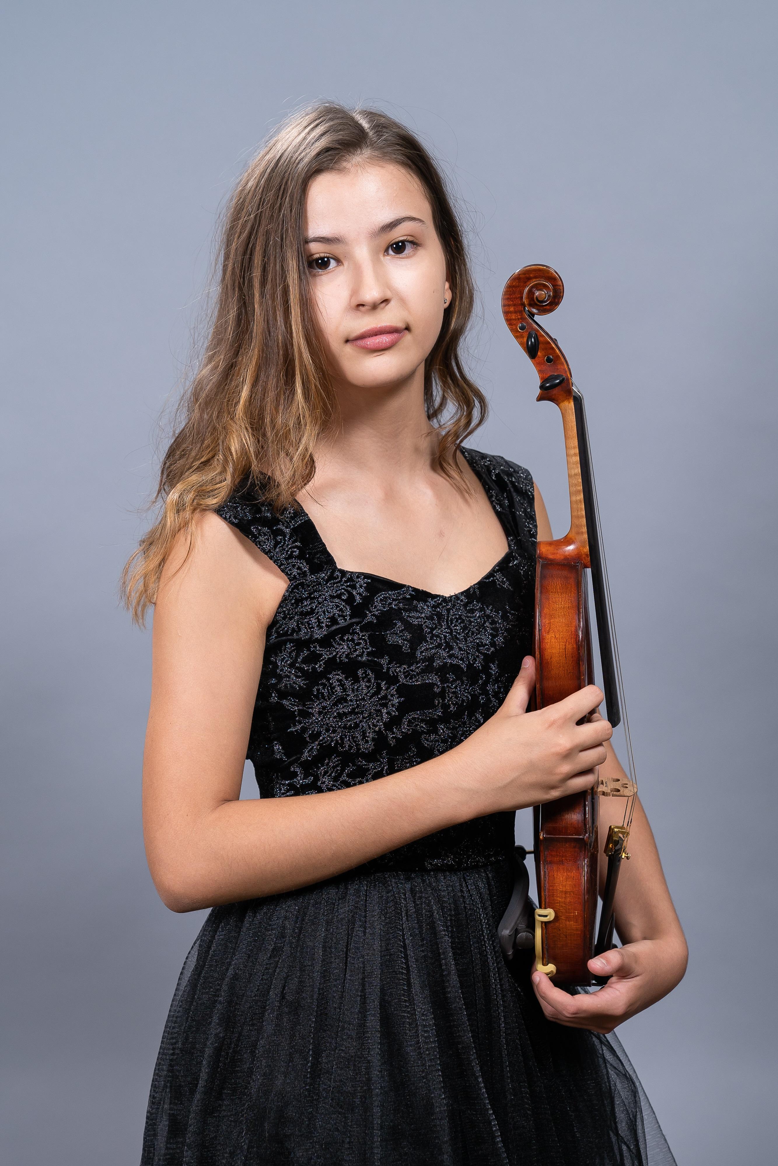 Лора Маркова